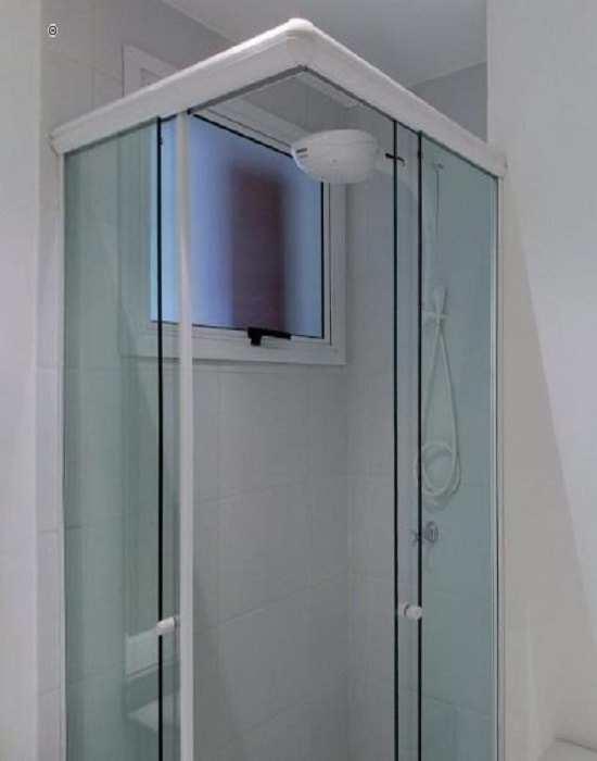 box para banheiro verde com branco Vidro temperado de 8 mm várias cores e modelos com perfil de acabamento reforçado e garantia total de qualidade.