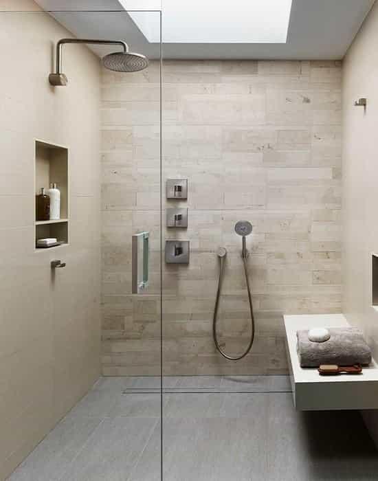 Vedar Box de Banheiro de maneira rápida com praticidade e resultados excepcionais, obtenha dicas de vedação de Box de Vidro para Banheiro.