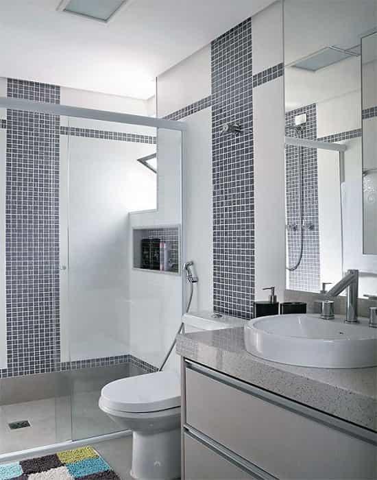 Box-para-Banheiro-em-Vidro-Incolor-de-8-mm-Temperado-com-Perfil-de-Acabamento-Branco.