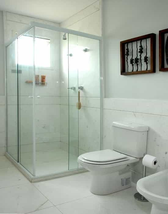 Box para Banheiro na Vila Zilda Várias cores e modelos de box de vidro e perfil de acabamento com garantia total de qualidade.