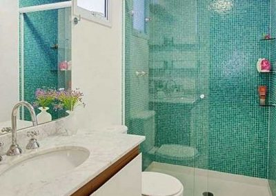 Box BLINDEX de banheiro modelo frontal 02 folhas. vidro de 8 mm, temperado.