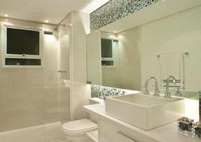 Espelho de banheiro lapidado vidro cristal 4 mm.