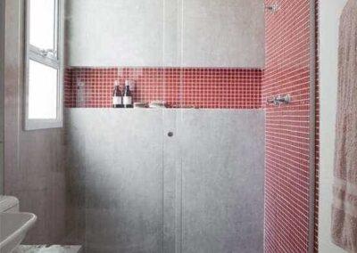 Box para banheiro sp vidro temperado de 8 mm, temperado com acabamento em alumínio.