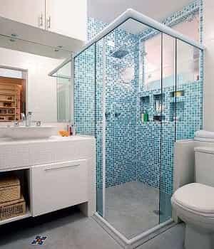 Box para banheiro 04 folhas de Vidro Temperado com Qualidade Total. Conheça as cores e modelos de box e perfil de acabamento.
